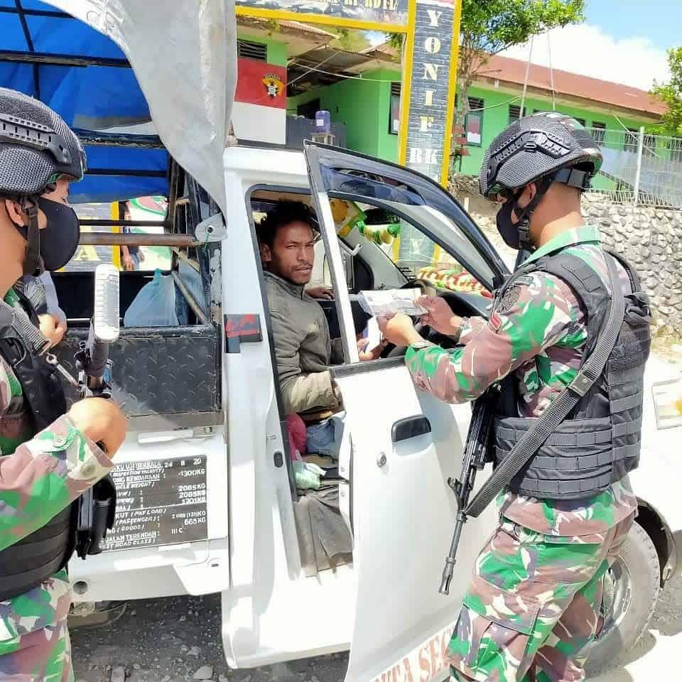 Sweeping Satgas Yonif RK 744/SYB Untuk Cegah Peredaran Barang Ilegal