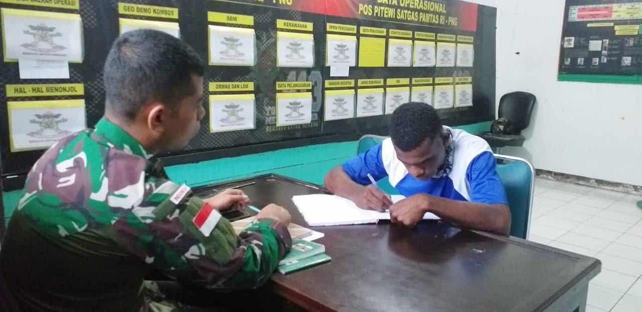 Satgas Yonif MR 413 Wujudkan Mimpi Neles Kamar Jadi Prajurit TNI AD
