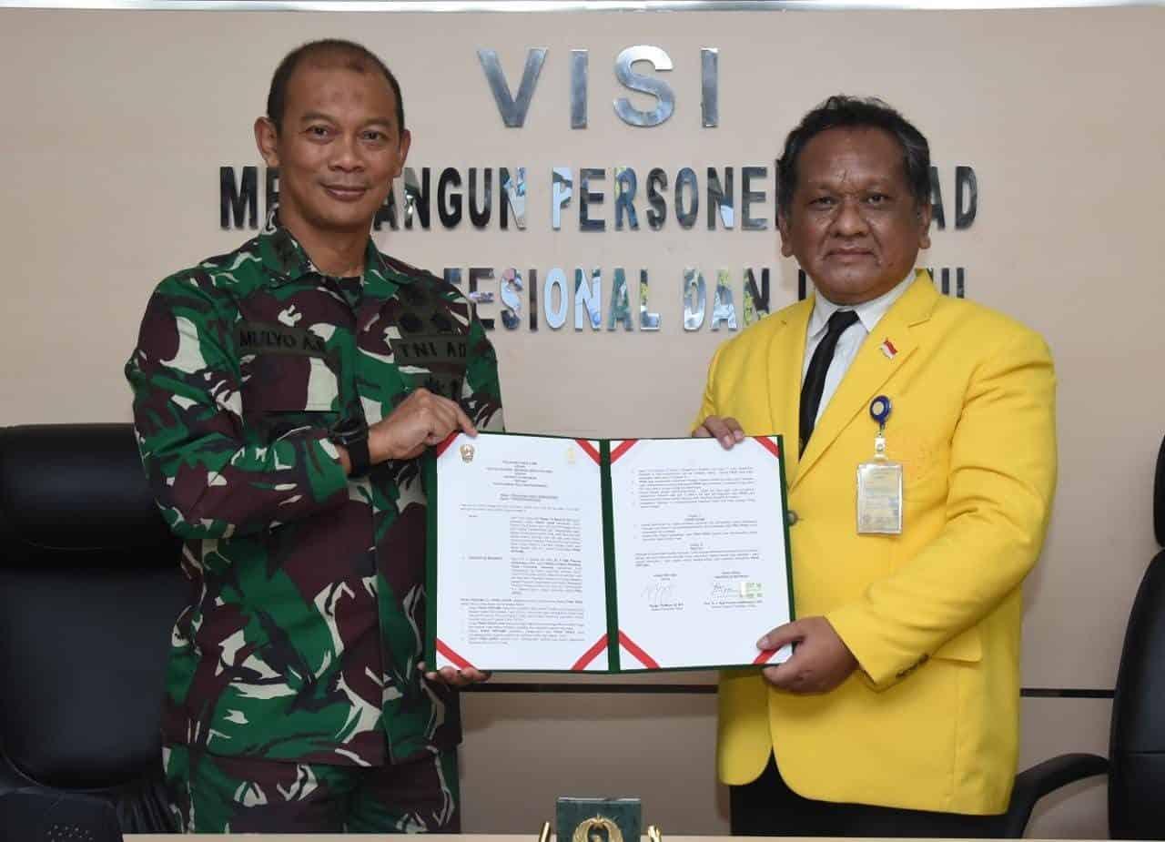 Acara Penandatanganan Perjanjian Kerjasama TNI AD dengan Universitas Indonesia tentang Pelatihan Kehumasan