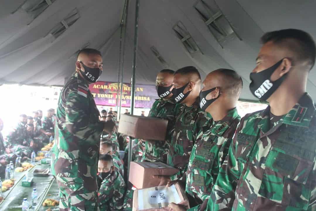 Peringati HUT ke-56, Satgas Yonif 125/Si'mbisa Gelar Syukuran di Tapal Batas