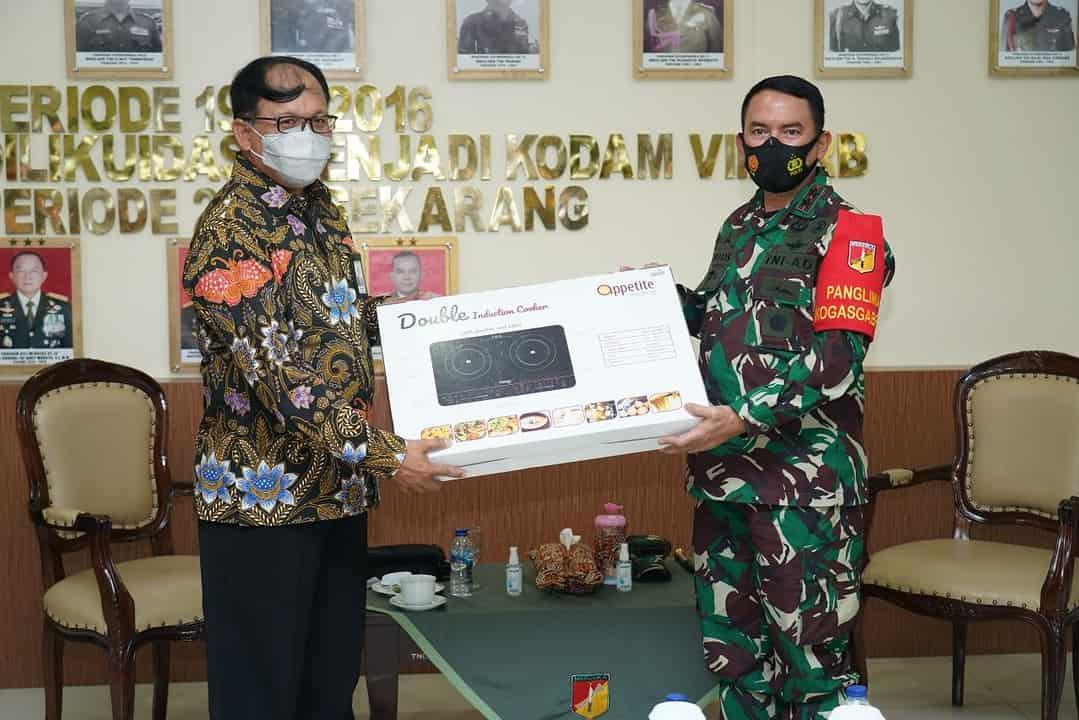 Bicarakan Ketersediaan Pasokan Listrik, GM PT PLN (Persero) Unit Suluttenggo Temui Pangdam XIII/Merdeka