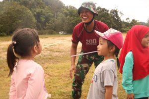 Latihkan Kekompakan Anak, Satgas Pamtas Yonif R 200/BN Gelar Outbound di Perbatasan