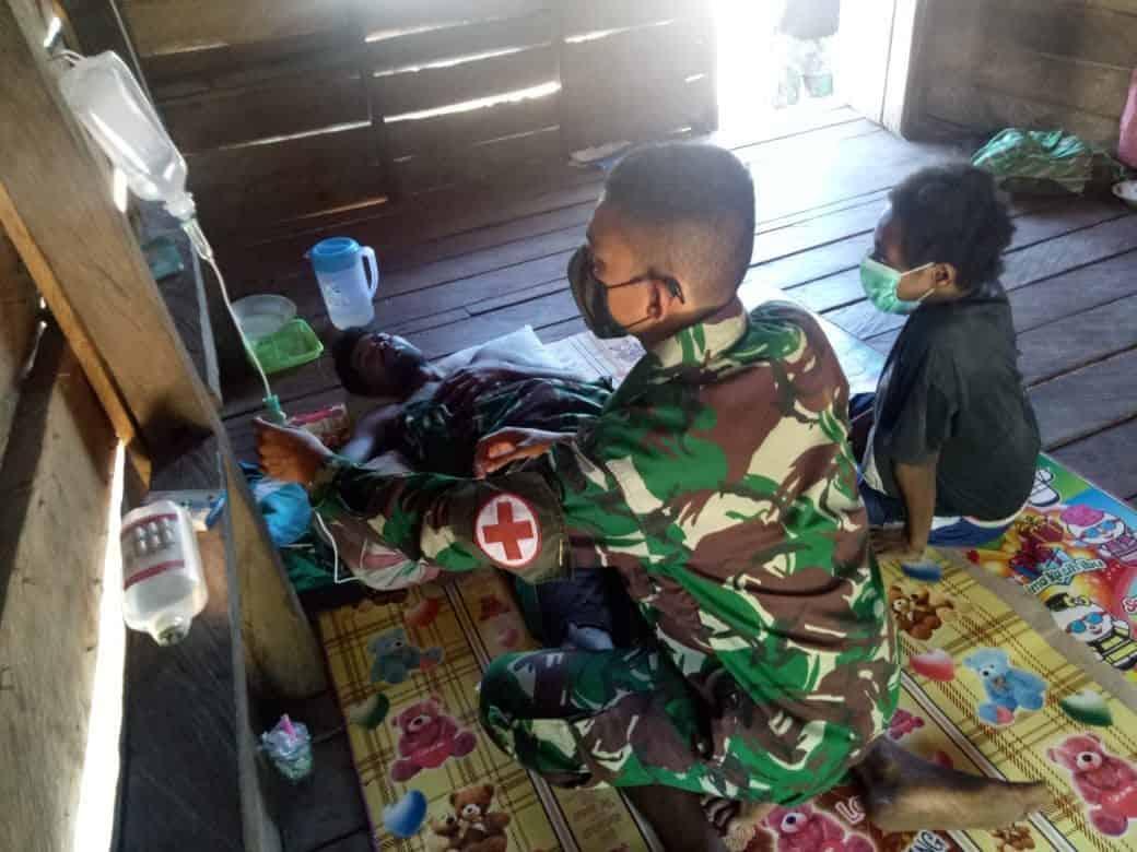 Malaria Kambuh, Warga Kampung Toray Diobati Satgas Yonif 125/Si'mbisa