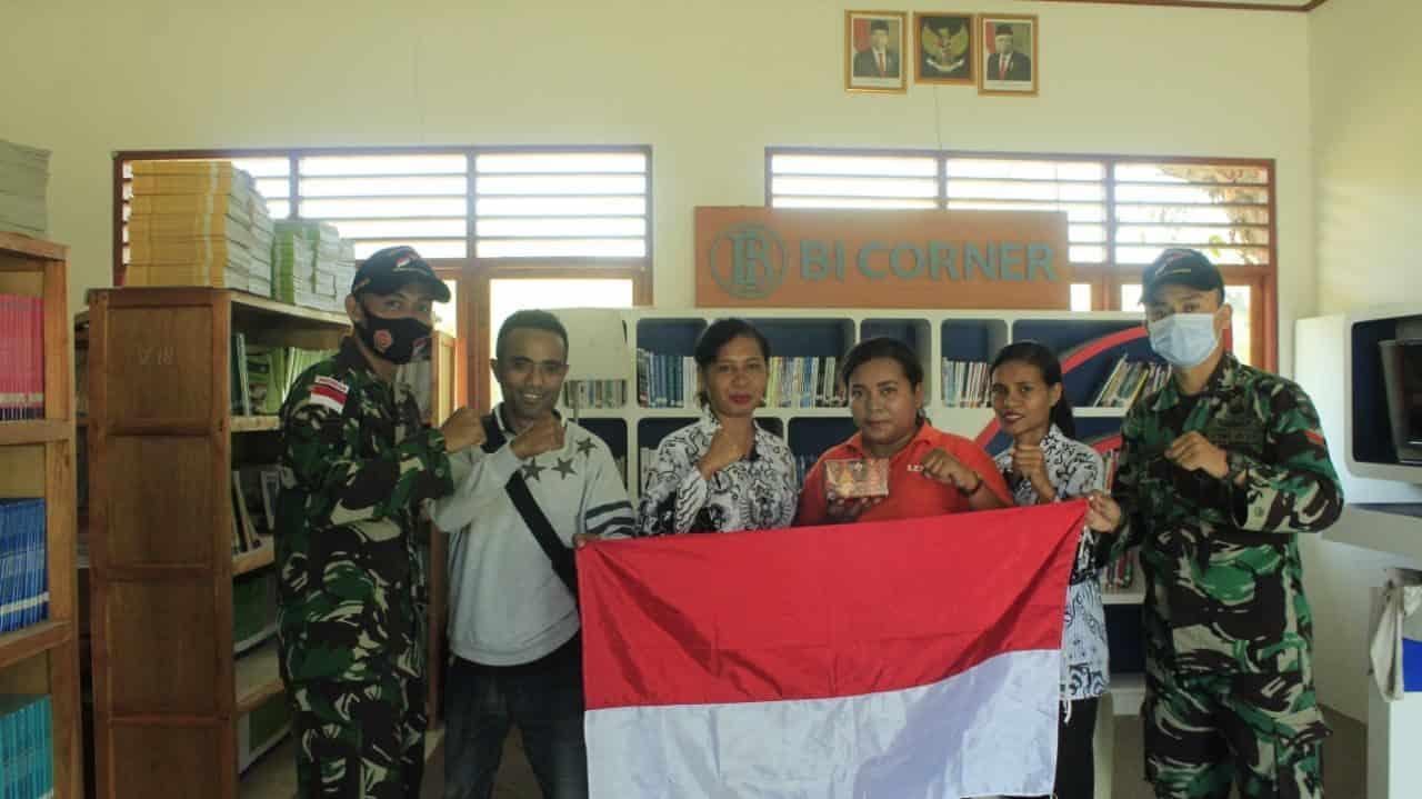 Sambut Hari Guru Nasional, Satgas Yonif RK 744 Beri Kejutan Kepada Guru Perbatasan