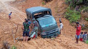 Rintangan Medan Berat, Tidak Halangi Satgas Yonif 312/KH Laksanakan Tugas Pengamanan Perbatasan