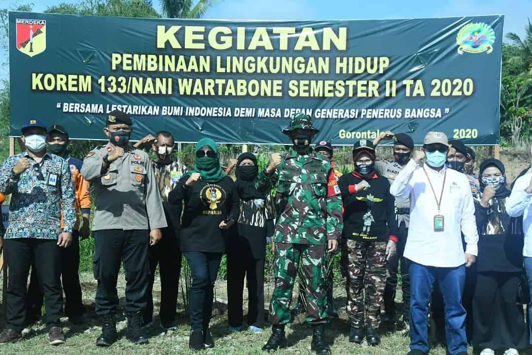 Peduli Lingkungan, Korem 133/NW Gorontalo Tanam Rumput Vetiver Cegah Erosi