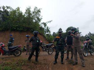 Tingkatkan Keamanan di Perbatasan, Satgas Yonif 642/Kps Patroli Bersama Pilar Entikong