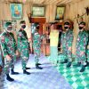 Warga Apauping Sukarela Serahkan 2 Senpi Rakitan ke Satgas Pamtas RI-Malaysia Yonif R 200/BN