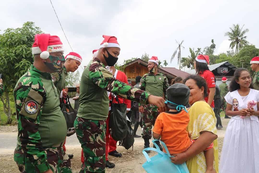 Meriahkan Natal di Perbatasan, Satgas Yonif R 100 Gelar Karnaval di Kampung Wonorejo
