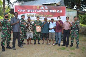 Masyarakat Adat Skofro Serahkan 21 Hektar Tanah Kepada Korem 172/PWY