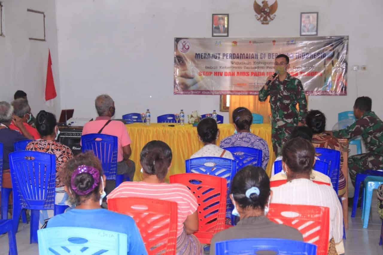 Personel Satgas Yonif RK 744 Menggelar Penyuluhan Anti Kekerasan Perempuan dan Anak serta HIV AIDS