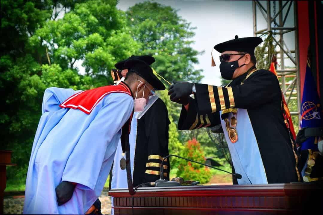 Dankodiklatad Pimpin Acara Wisuda Sarjana Terapan Poltekad Kodiklatad TP 2017-2020