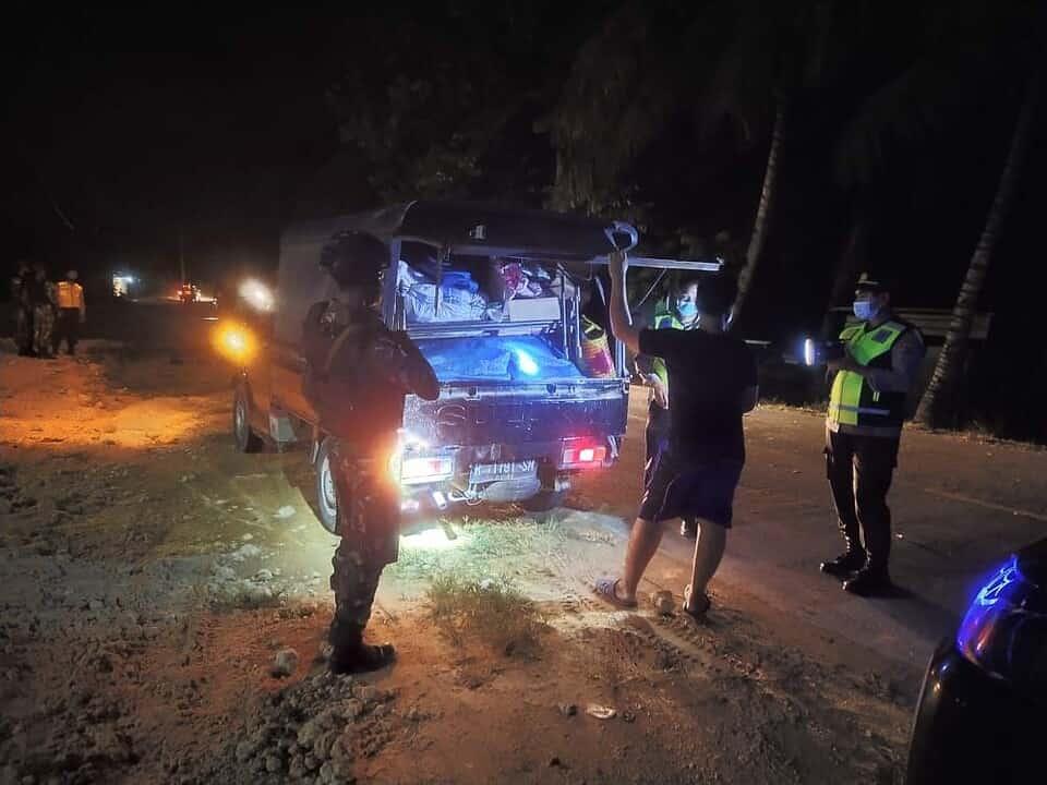 Perkokoh Sinergitas, Satgas Yonif MR 413 Bersama Polsek Muara Tami Gelar Sweeping di Koya Karang