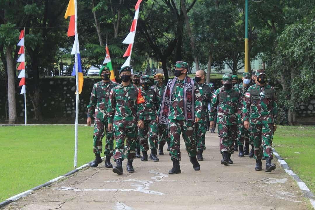 Pangdam IX/Udy Kunjungi Satgas Pamtas RI-RDTL Yonif RK 744 Sektor Timur