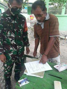 Satgas Yonarmed 3/105 Tarik Terima Penyerahan Senjata Api Dari Masyarakat Perbatasan RI-RDTL