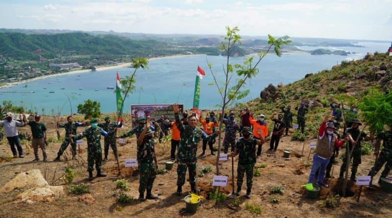 Korem 162/WB Gelar Penanaman Pohon, Donor Darah dan Pembagian Sembako di KEK Mandalika