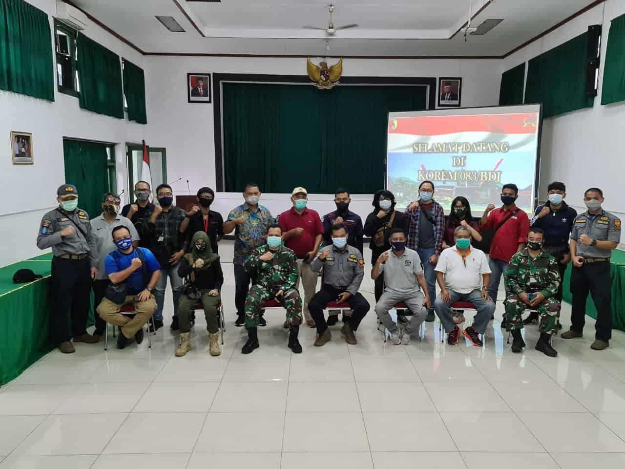Awak Media Menyerbu Makorem 083/Baladhika Jaya