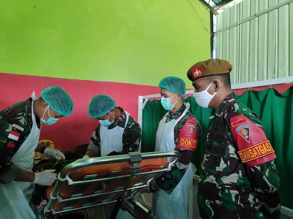 Sambut HUT Ke-75 Armed, Satgas Yonarmed 3/105 Tarik Gelar Khitanan Massal Gratis