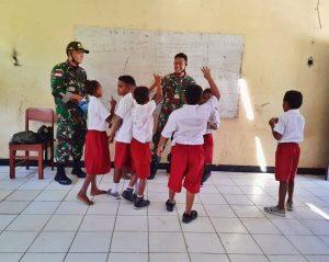 Satukan Tekad, Satgas Yonif MR 413 Kostrad Bersama Guru Komitmen Cerdaskan Anak Perbatasan RI-PNG