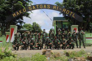Satgas Yonif RK 744/SYB Terima Kunjungan Yonif 742/SWY Dalam Rangka Serah Terima Tugas Pamtas