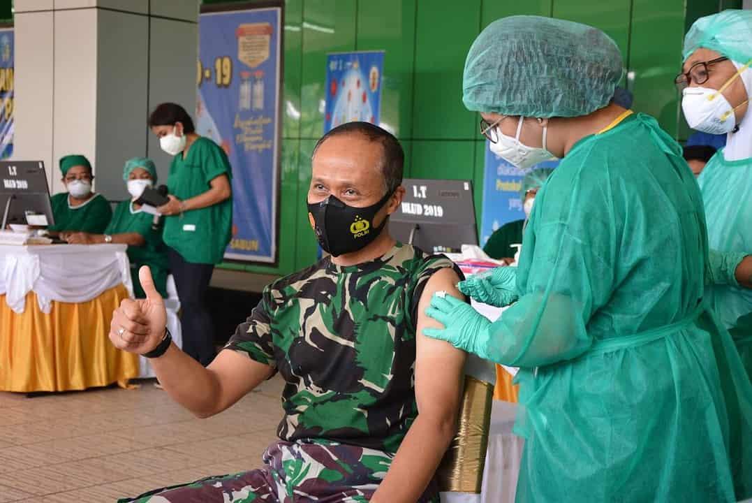 Pangdam Cenderawasih Terima Vaksin Covid-19 Tahap Pertama Di Provinsi Papua