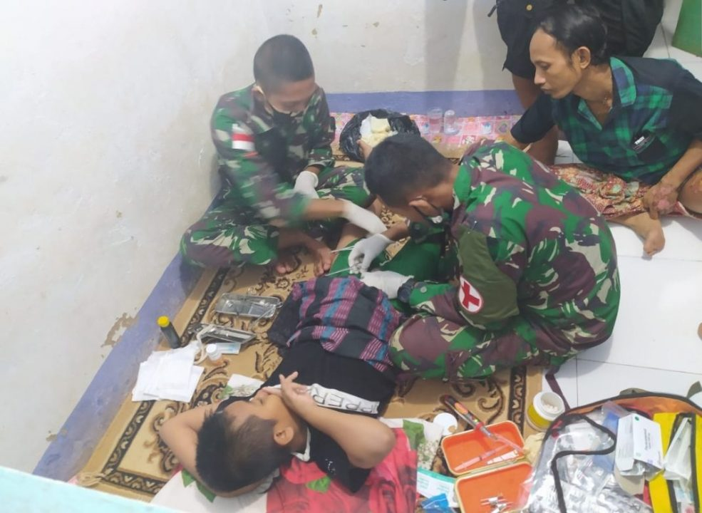 Satgas Pamtas Yonif Mekanis 516/CY Adakan Khitanan Massal Warga Papua