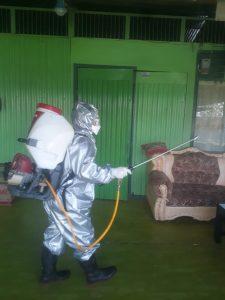 Upaya Pencegahan Covid-19, DBD dan Malaria, Kodim 1702/JWY Lakukan Fogging dan Penyemprotan Disinfektan Dalam Asrama