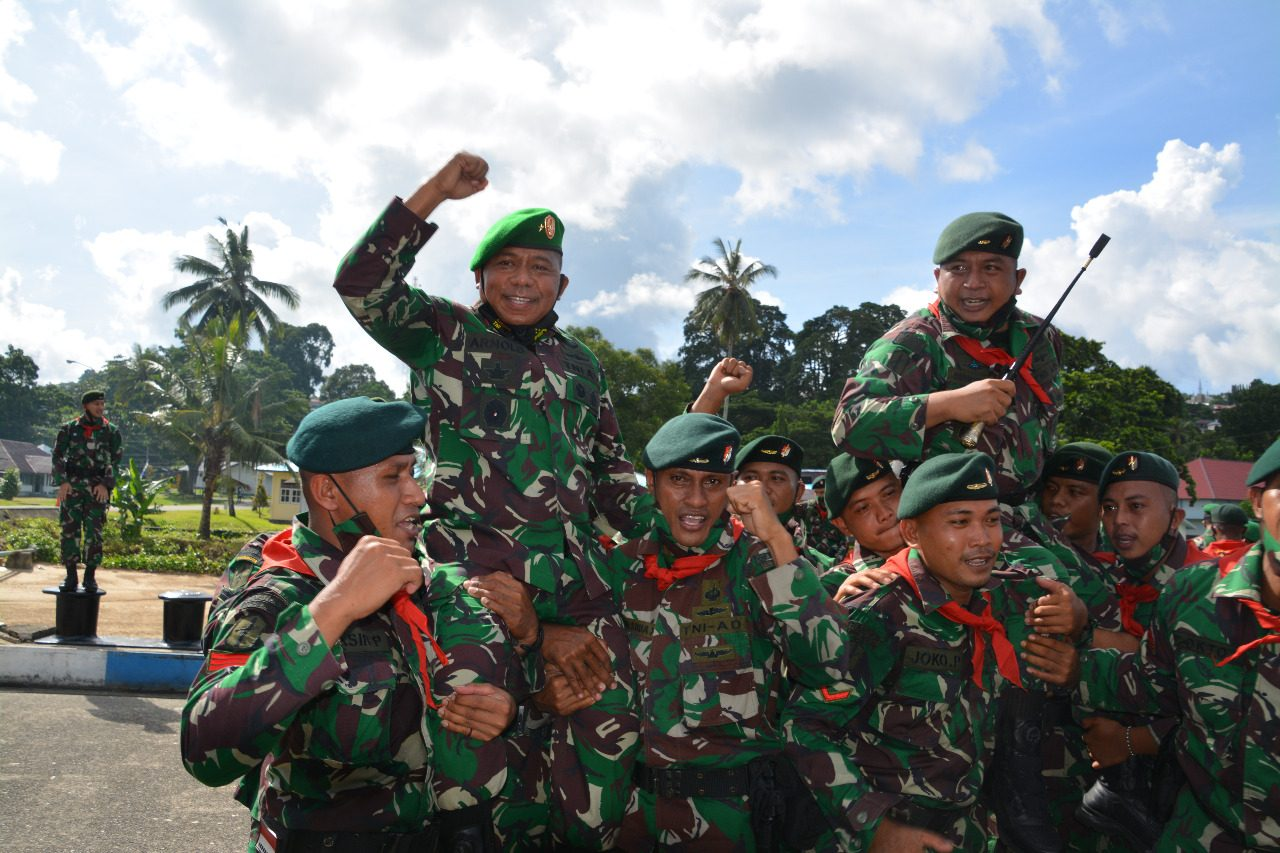Hormat Dan Bangga, Danrem 151/Binaiya Lepas Satgas Yonif RK 732/Banau