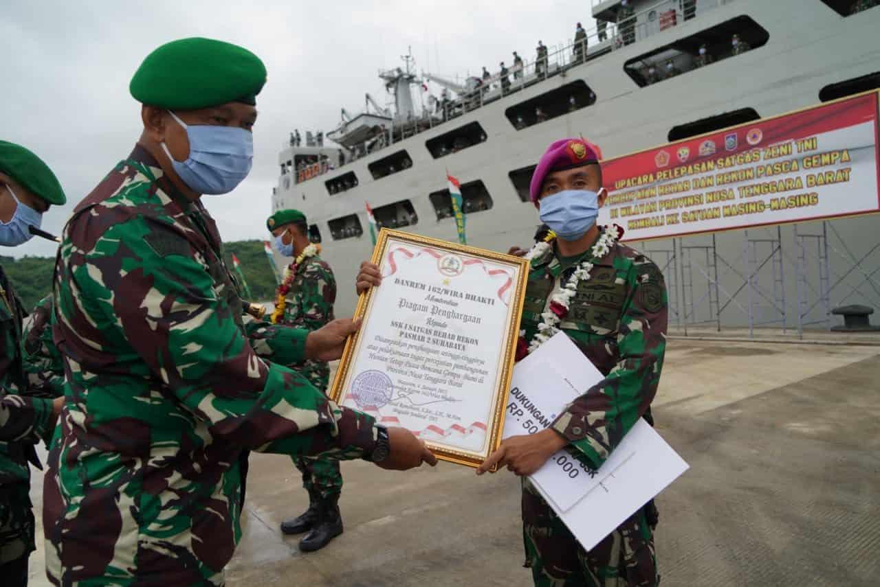 Selesai Bangun Ribuan Rumah, Seribu Personel Zeni TNI Satgas Percepatan Rehab Rekon Gempa Lombok Tahap II Kembali ke Kesatuan Asal