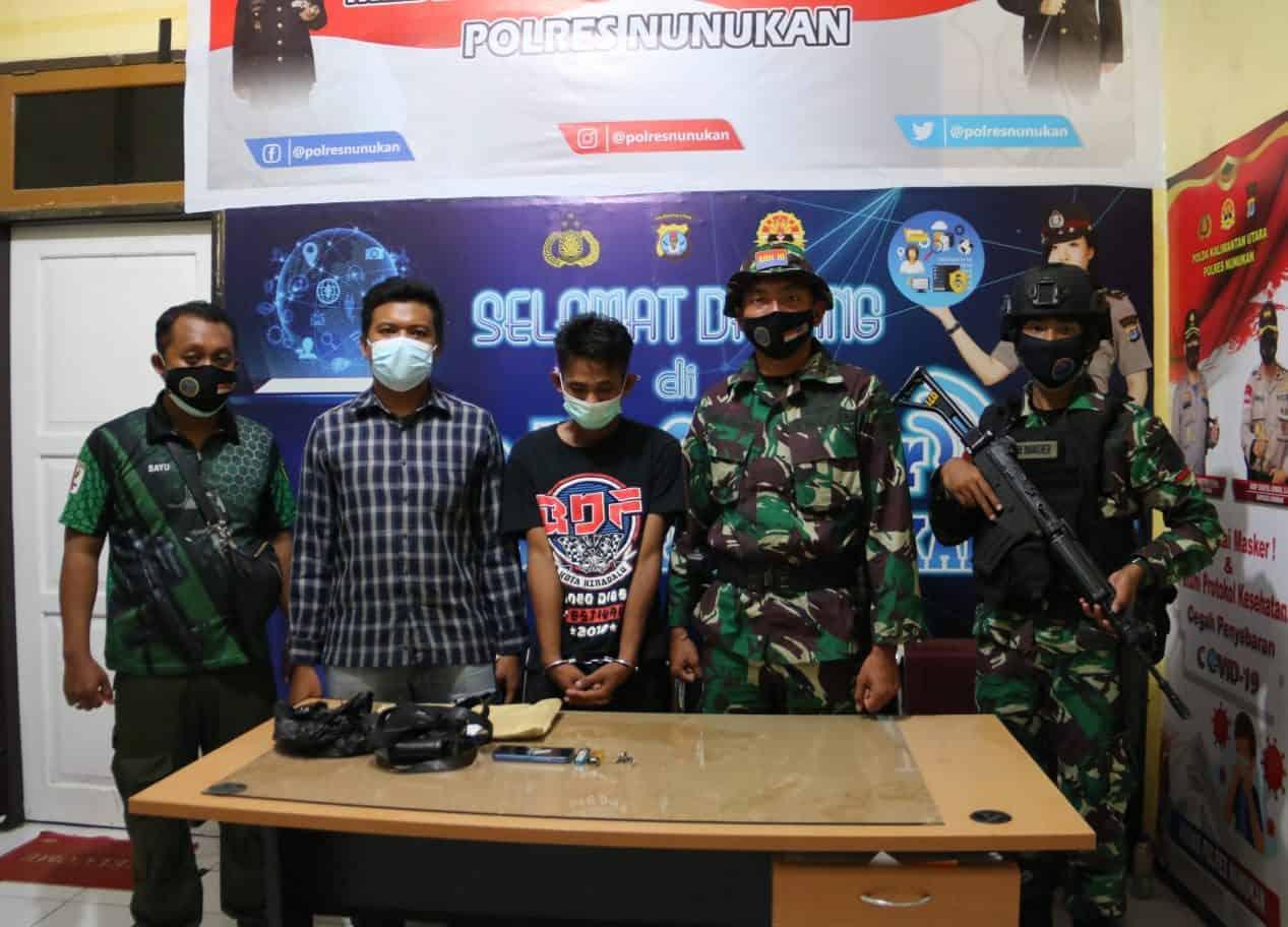 Satgas Pamtas RI-Malaysia Yonarhanud 16/SBC/3 Kostrad Berhasil Menangkap Pembawa Sabu-Sabu