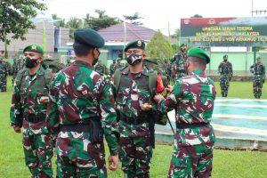 Danrem 092/MRL Pimpin Serah Terima Komando Pengendalian Satgas RI-Malaysia Dari Yonif 623/BWU Ke Yonarhanud 16/SBC