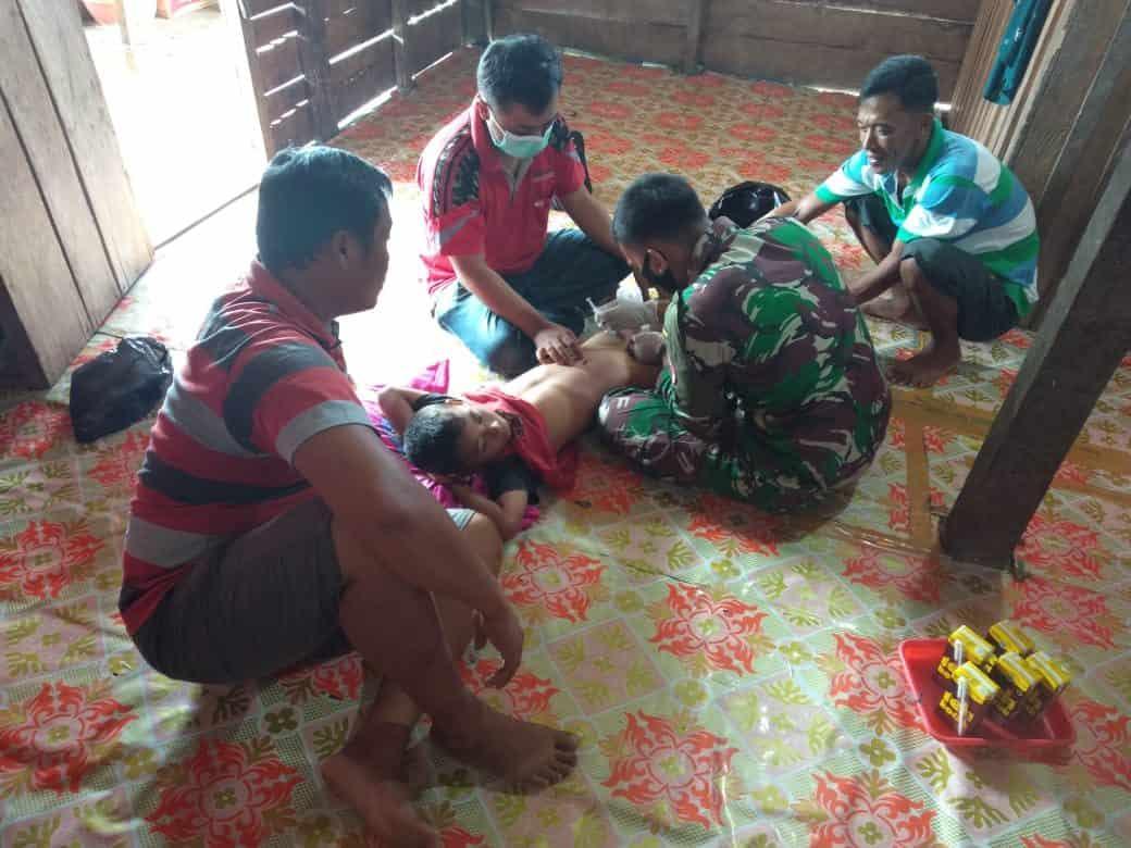 Satgas Yonif Raider 100/PS Gelar Bakti Sosial Khitan Gratis Kepada Anak Perbatasan RI-PNG