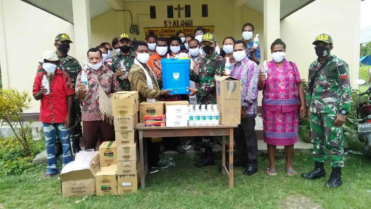 15 Gereja di Papua Terima Bantuan Alkes Satgas Yonif MR 413 Kostrad