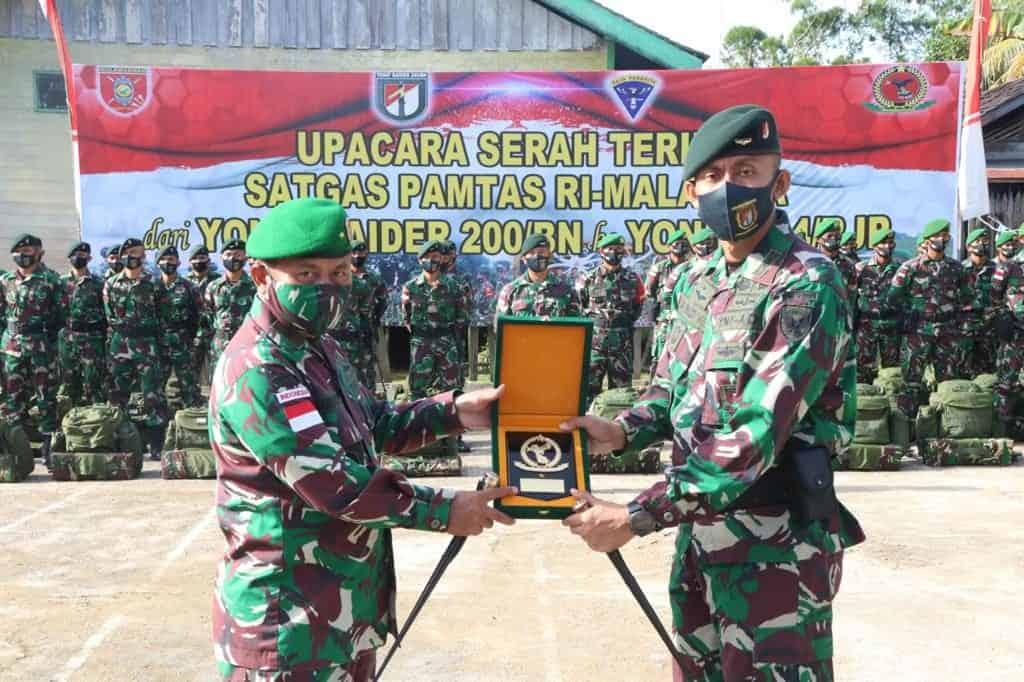 Purna Tugas, Yonif R 200/BN Alih Kodal Satgas Pamtas RI – Malaysia Dengan Yonif 614/RJP