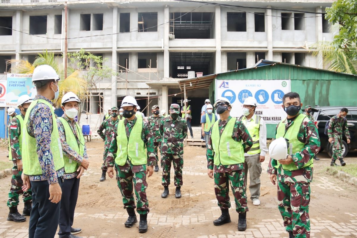Pangdam XII/TPR Tinjau Pembangunan Rusun untuk Prajurit