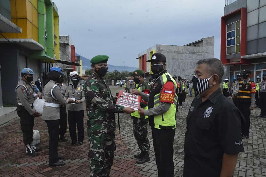 Bersama Satgas Covid-19 Bogor, Danrem 061/ SK Pantau Langsung Warga Isolasi Mandiri