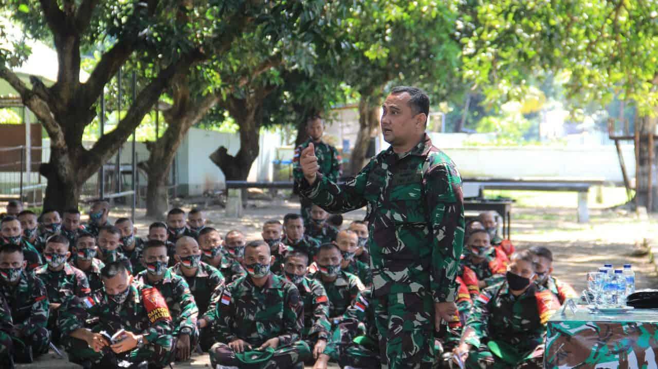 Jelang Berangkat Tugas Pamtas RI-RDTL, Prajurit Yonif 742/SWY Terima Pembekalan Hukum