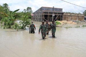 Danrem 172/PWY : Kami Turun Langsung Bantu Masyarakat Korban Banjir Keerom