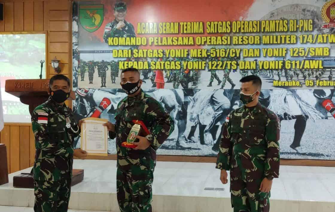 Serah Terima Kodal Operasi Satgas Pamtas RI-PNG Yonif 125/Si'mbisa Dengan Yonif 611/Awang Long