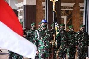 Kasad Pimpin Sertijab Koorsahli Kasad dan Danpuspomad Serta Menerima Laporan Korps Kenaikan Pangkat Delapan Pati TNI AD