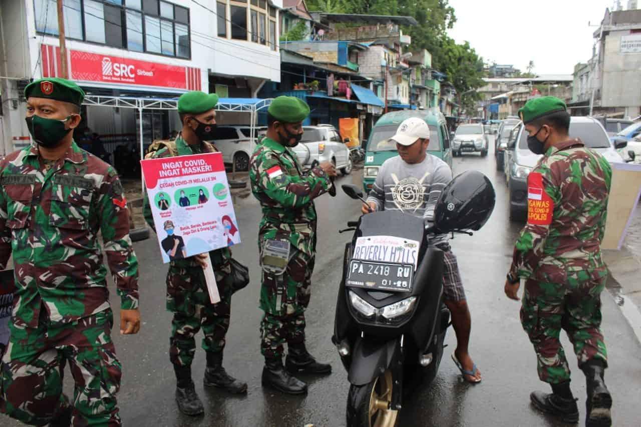 Tekan Penyebaran Covid-19, Kodim 1701/Jayapura Intensifkan Patroli dan Sosialisasi Prokes
