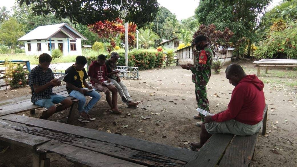 Jaring Putra Asli Papua, Babinsa Kodim 1712 Sosialisasikan Penerimaan Prajurit Tamtama