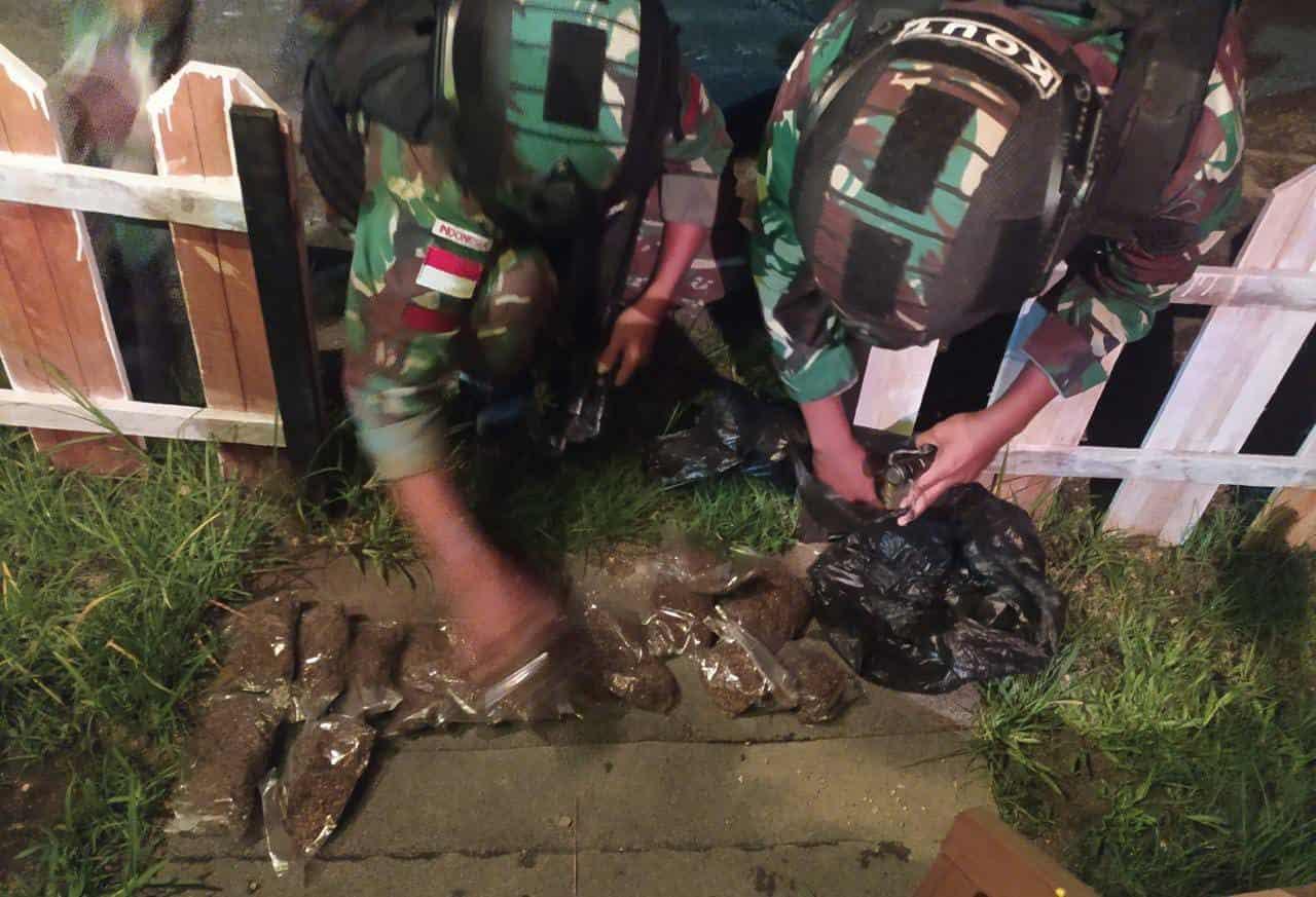 Puluhan Paket Ganja Kering Diamankan Satgas Pamtas Yonif MR 413 Di Perbatasan RI – PNG