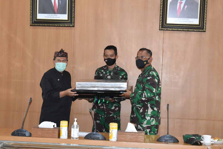 Kembali Ciptakan Inovasi, Bengpuspal Puspalad Serahkan UVC Blower Kepada Walikota Bandung