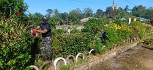 Ciptakan Lingkungan Bersih dan Sehat, Satgas Yonif 642 Galakkan Program Jumat Bersih di Perbatasan