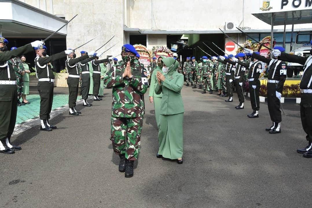 Tradisi Korps Penerimaan Danpuspomad dan Pelepasan Mantan Danpuspomad