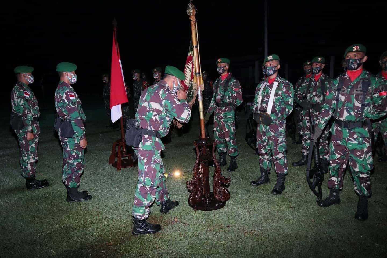Siap Berangkat Tugas Operasi Di Perbatasan RI-PNG, Yonif 403/WP Laksanakan Tradisi Satuan