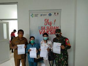 Dandim 1702 dan Bupati Jayawijaya Laksanakan Vaksinasi Di RSUD Wamena