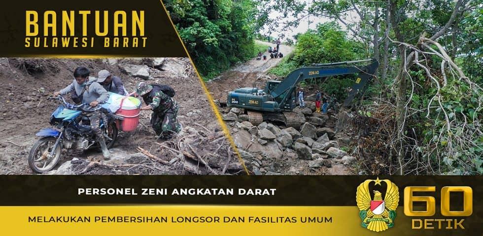 Personel Zeni Angkatan Darat Melakukan Pembersihan Longsor dan Fasilitas Umum di Sulbar