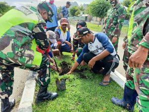 Tanam Ratusan Pohon, Satgas Yonarmed 3/105 Hijaukan Perbatasan RI-RDTL